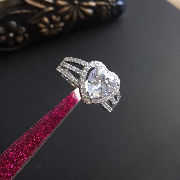 d3480f8aa821d Swarovski Elements Heart Ring